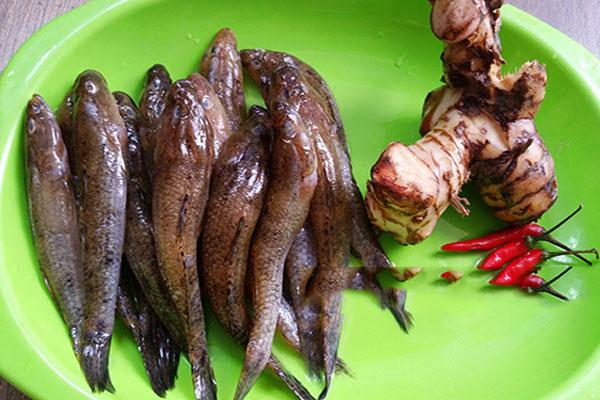Nguyên liệu cho món cá bống kho riềng